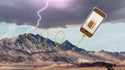 bliksem, smartphone opladen
