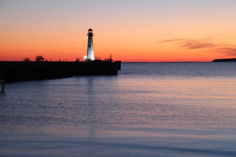 Kurz vor Sonnenaufgang in St. Ignace, MI