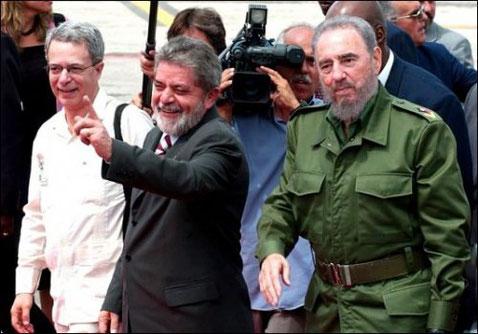 Lula junto con el dictador comunista Fidel Castro