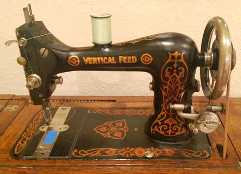 VERTICAL FEED  VF  Model 8  #  2.741.378  ( feefifofarah.blogspot)