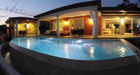 piscine-eclairage-bleu