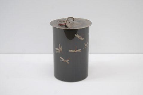 黒四分一象嵌中置水指 「秋高し」 2014年 150×150×235㎜  黒四分一、銅、銀