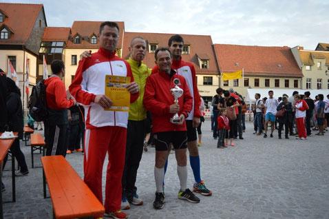 """Die Sieger der Männerstaffeln - Das Team von """"TAW Freie Kfz Werkstatt Peter Kupijaj"""