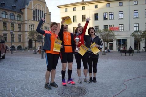 """Die Siegerinnen der Frauenstaffeln - Das Team von """"Lack & Lauf"""""""