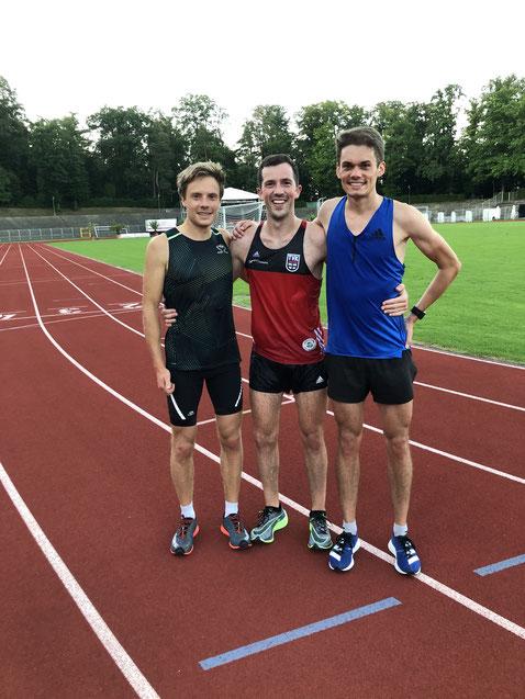 Trainingspartner Luca Völkle (rechts) und Trainer Paul Snehotta (links)