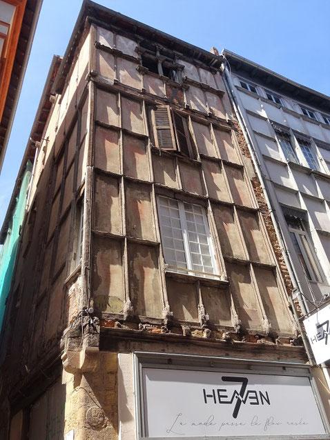Hôtel de Boscredon au 17 rue des Changes, demeure en pan de bois de la fin XVe ou début XVIe