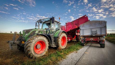 Traktor groß