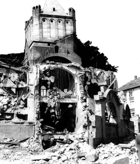 Verein für Baukultur und Stadtgestaltung Kaiserslautern e. V.  - Pfaffbad zerstört