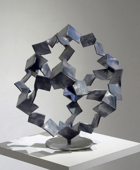 Metamorphosis - inside out <No.M-54>     mild steel / H.45x44x44cm / 2015