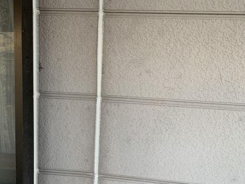 大垣市、養老町、上石津町、輪之内町、安八町、神戸町、垂井町、瑞穂市、池田町で外壁塗装工事中の外壁塗装工事専門店。大垣市割田で外壁塗装工事/シーリング作業中