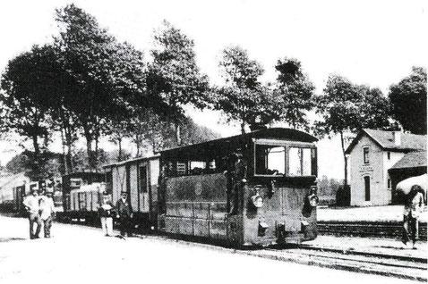 """Arrêt du tram """"Le Petit Saint-Severin"""" 1903"""
