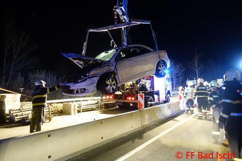 Feuerwehr, Blaulicht, Verkehrsunfall, Traktor, PKW, B158, Bad Ischl