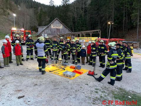 Feuerwehr, Blaulicht, Verkehrsunfall, Übung