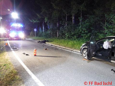 Feuerwehr, Blaulicht, FF Bad Ischl, Verkehrsunfall, PKW, Moped