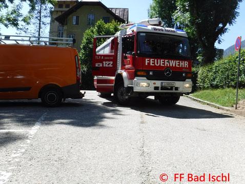 Feuerwehr, Blaulicht, FF Bad Ischl, Brand, Stadtgebiet, Dachstuhl