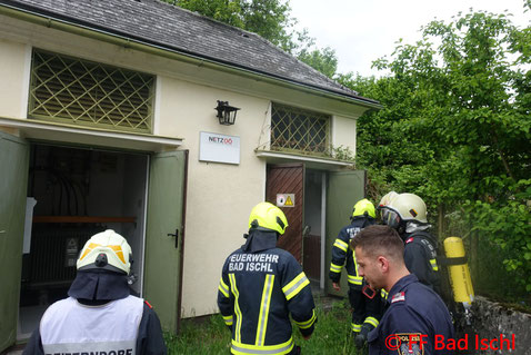 Feuerwehr, Blaulicht, FF Bad Ischl, Brand, Trafostation