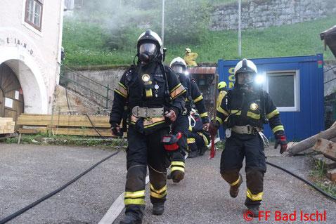 Feuerwehr, Blaulicht, FF Bad Ischl, Übung, Großbrand, Perneck