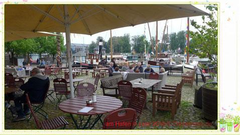 Am Hafen von Leer, Ostfriesland.