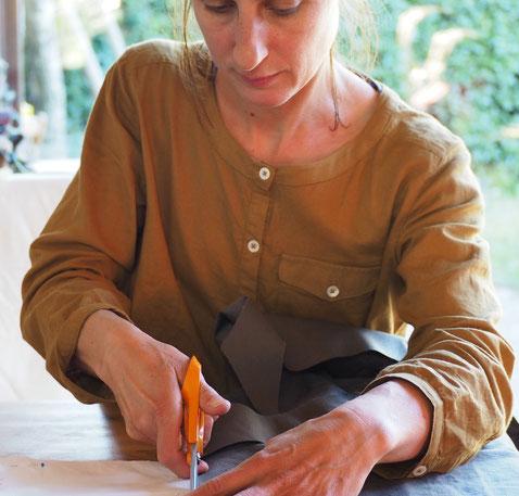 l'atelier de creation textile et de confection d'accessoire de mode en tissu d'ines cano