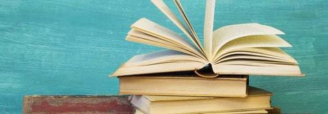 Darstellung von drei Schulbüchern