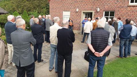 Ludger Besse begrüßt die Gäste des Kreisheimatvereins - Foto: HPD
