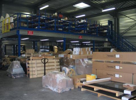 L'atelier de PACA Ascenseurs Services abritent plus de 550 000 € de fournitures.
