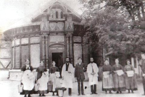 Badehaus im Zustand, wie es nach dem Neubau  von  1884 bis 1937 in Betrieb war - Aufnahme vermutlich vor dem 1.WKv- Archiv W.Malek