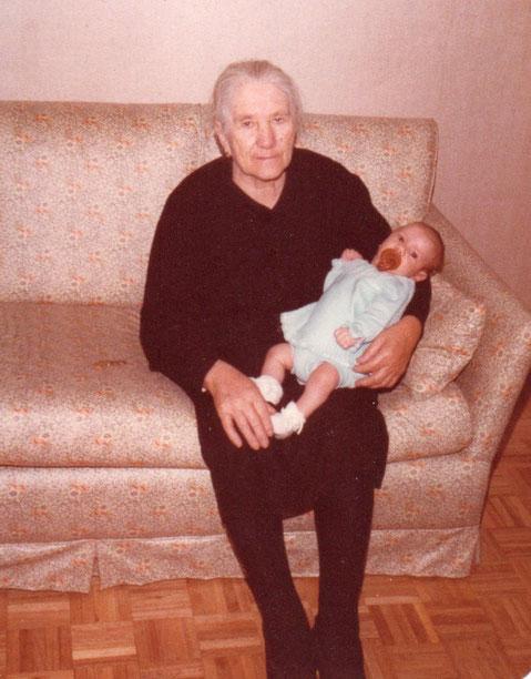 Con su nietín.