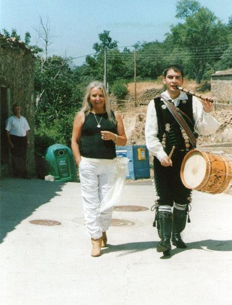"""Con  """" El Emigrante """""""