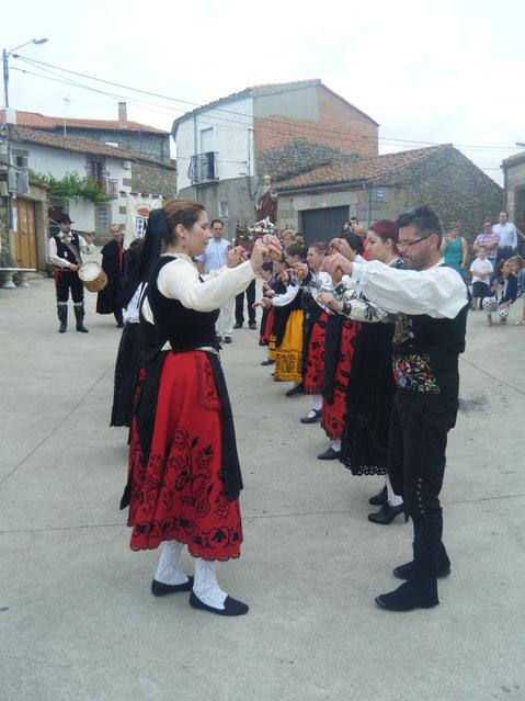 Los bailes regionales. F. Merche.