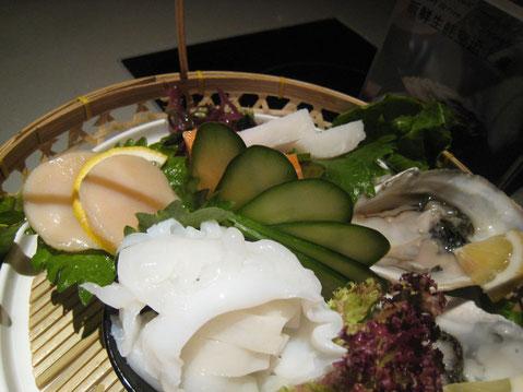 鍋の具材。刺身で食べるわけではない