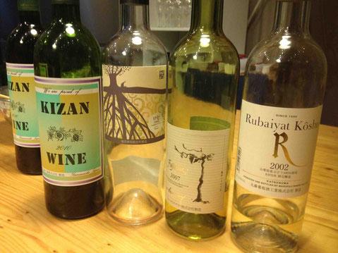 ワインはすべて国産を。坂戸商店さんにセレクトをお願いしました