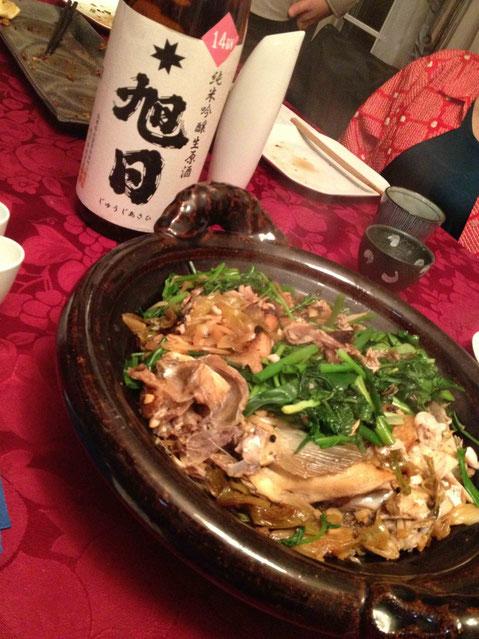 生ほっけを当初台湾市場風のつもりが、四川の赤唐辛子と雲南の青花椒でしびれと辛みをきかせて。十旭日(島根)純米吟醸生 14BY
