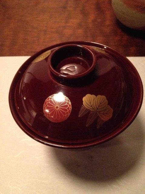 鱚と鳥貝のお碗 ジュンサイ入り。中身の写真撮り忘れ!トリ貝を碗だねに、も、おもしろい