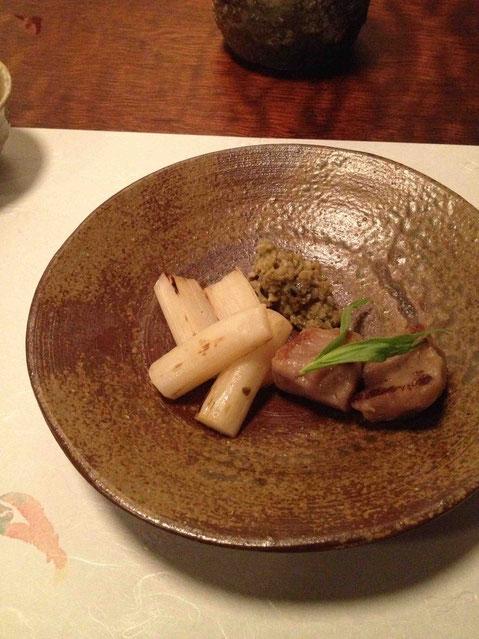 ホワイトアスパラとインカのめざめのニョッキ 富山県産岩牡蠣のペースト添え。ニョッキの弾力感がいい