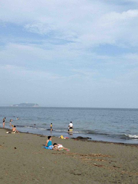 15分歩けば海にザブ〜ンもできちゃいます。サザンやユーミン、達郎の歌が思わず、、、