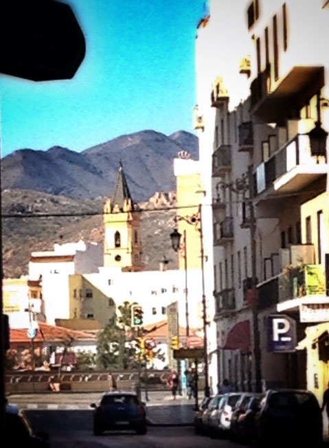 Desde Atarazanas, tras la iglesia de San Pablo de la Trinidad.