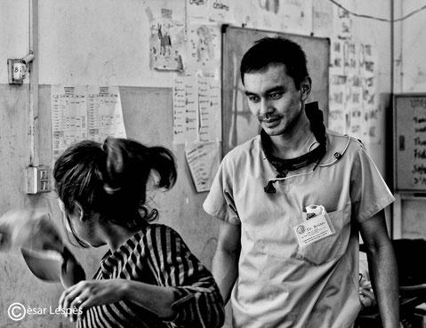 Le Dr Brian, d'origine Vietnamienne, je suis particulièrement fière de ce portrait, son attitude est belle, et il dégage quelque chose de beau