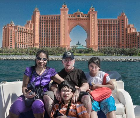 Bootstour im persischen Golf, im Hintergrund das Hotel Atlantis - Für uns nur Hintergrundkulisse, wir haben etwas günstiger übernachtet;)