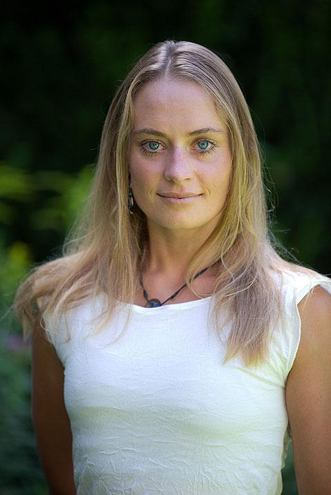 Jasmin Jumtow Yoga Betriebliches Gesundheitsmanagement Gesundheitsförderung Prävention Entspannung Massagen Wellness Klettern
