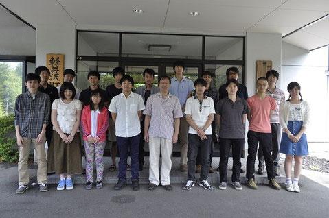平野研究室のみなさん(平野先生は前列中央)