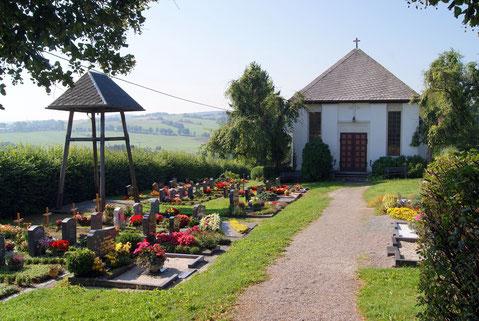 Bild: Teichler Wünschendorf Erzgebirge Friedhof
