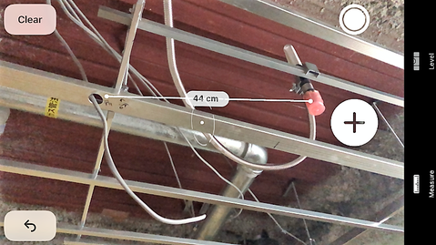配線とスプリンクラーヘッドの距離が近い例