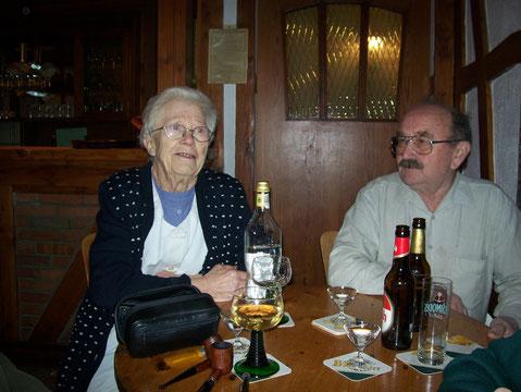 unser langjähriges Wirtspaar Liesel und Adi, die letzte Probe bei Bannerts in Benenberg 2009