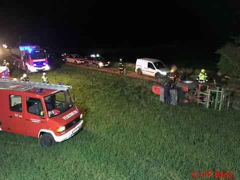 Feuerwehr, Blaulicht, Traktor, Unfall, FF Retz