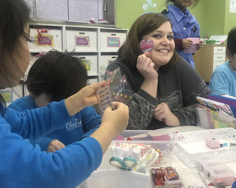 Learning Centers Class:Tiffanie先生のラーニングセンタークラスの一コマ