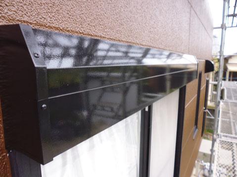 熊本市M様家。シャッターBOX塗替えをブラックカラーにて塗替えました。