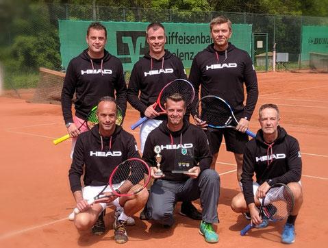 v.l.n.r. oben: Dirk Jörissen, Christoph Johnen, Marcel Wiederhold, André Erdmann, unten: Remy Koll, Michael Sauer, Guido Schächer