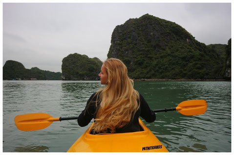 kayaking Halong Bay Vietnam Halongbucht