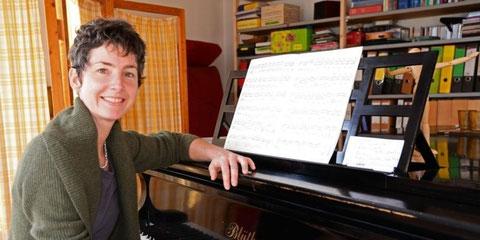 Votre professeur de chant en Bouriane dans son salon de musique ....